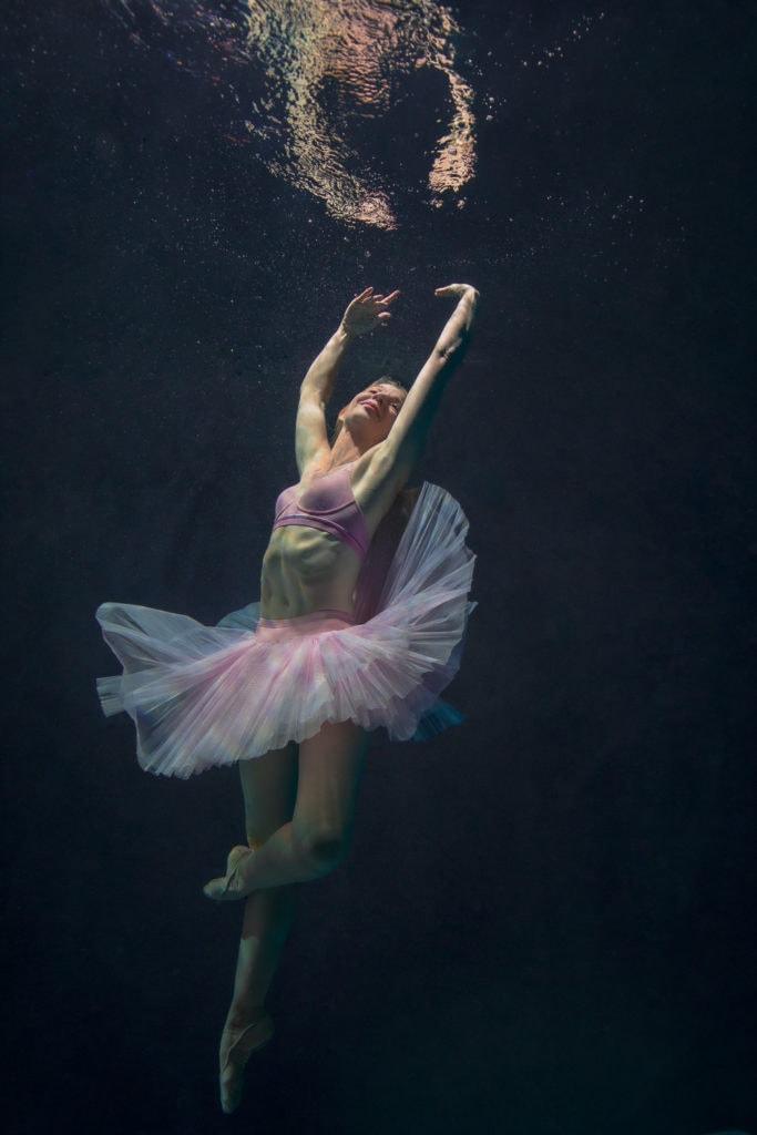 Underwater ballet portrait photographer